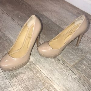 Chinese Laundry 5 inch pumps